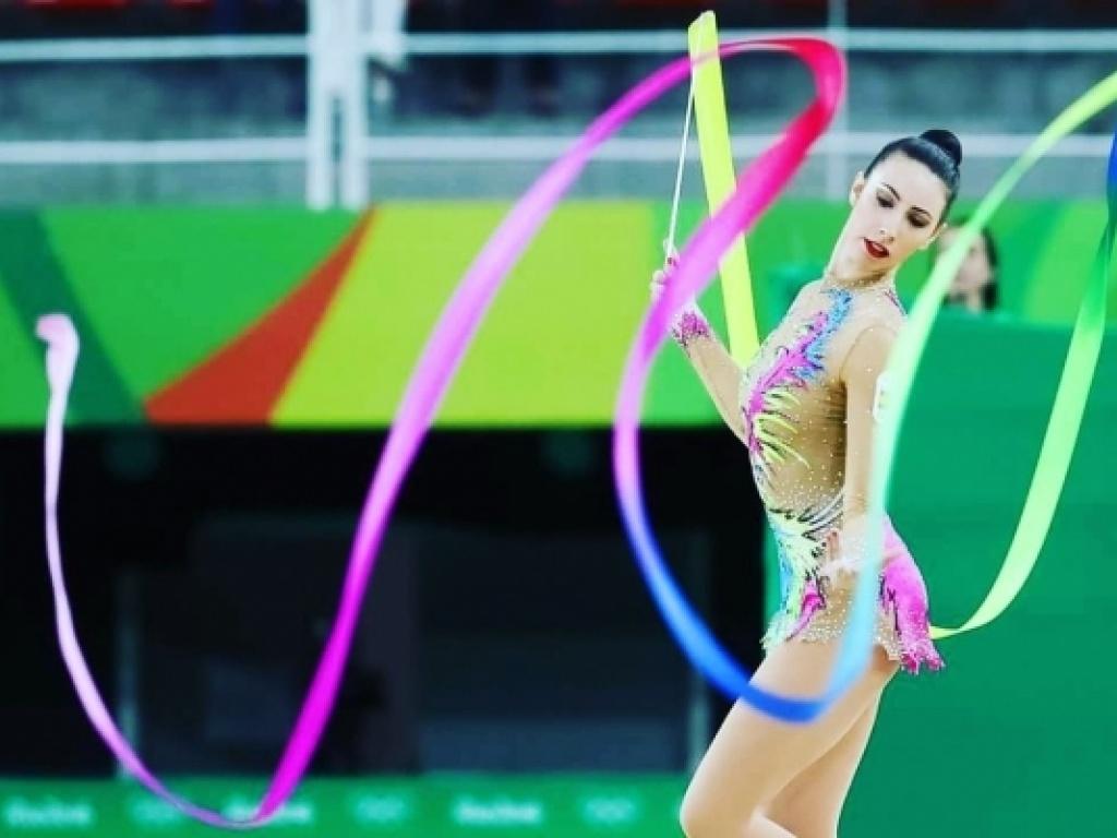 Άρτεμις Γκαβέζου – Κάστρο: Η Ολυμπιονίκης της ρυθμικής γυμναστικής στο...