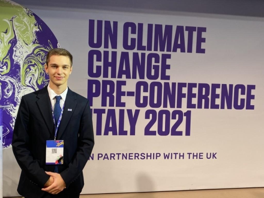 Ο Θωμάς Καραμανλής, μαθητής του ΙΒ, στο προσυνέδριο του ΟΗΕ για την Κλιματική Αλλαγή