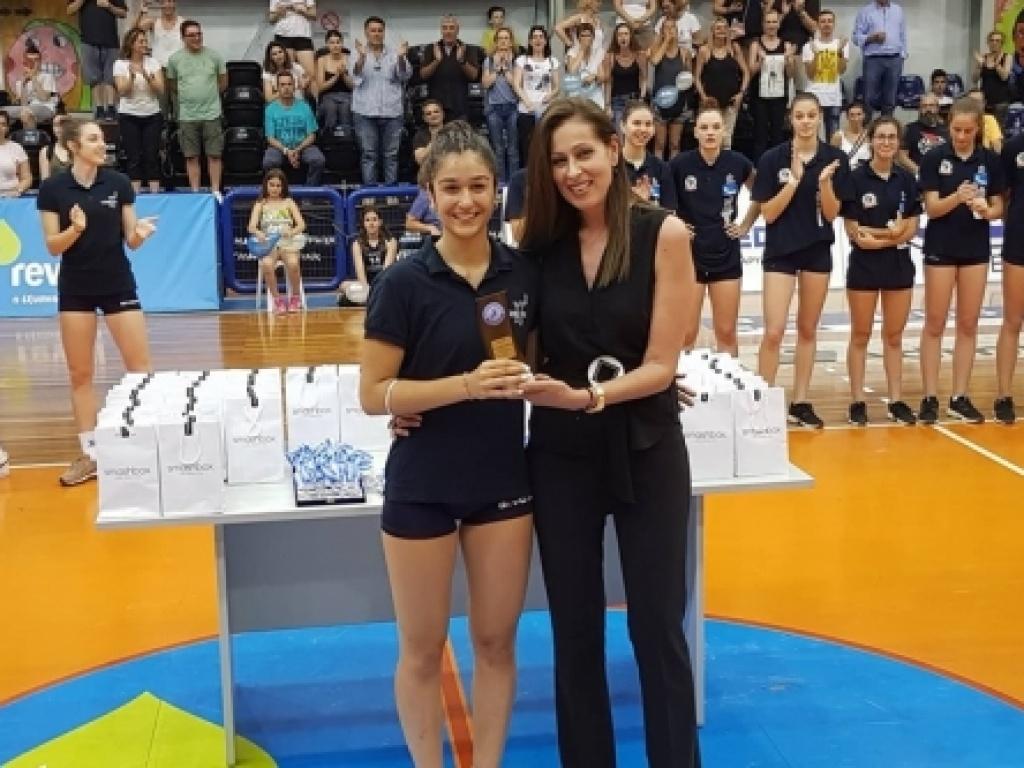 Η καλύτερη αθλήτρια του Πανελλήνιου τουρνουά βόλεϊ κορασίδων είναι μαθήτριά μας
