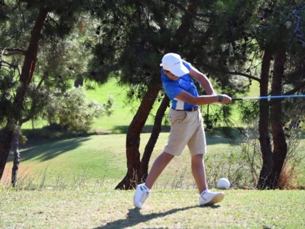 Διεθνείς και Πανελλήνιες διακρίσεις στο γκολφ για μαθητή μας